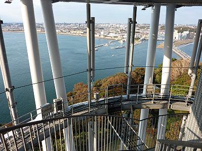 江の島展望灯台の下り階段