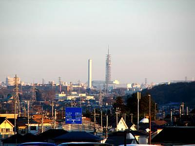 マミーマート所沢山口店から見る田無タワー