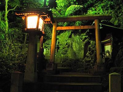 品川神社登山道入口