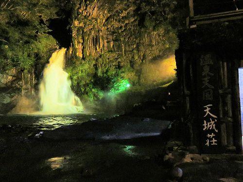 夜の河津大滝
