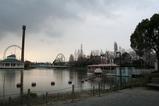池周り(右)