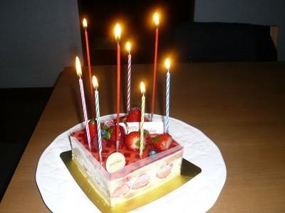 戸田サクラ歯科院長齋藤友希の誕生日ケーキ