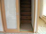 既存の階段へつながります