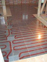 つながる床暖房敷設