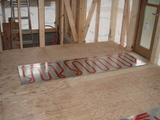 キッチン前床暖房パネル工事
