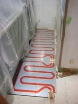 養生を行い床暖房工事