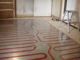1階床暖房パネル工事