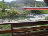 付知川のほとり