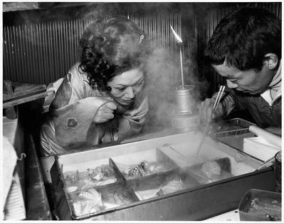 大竹昭子のエッセイ「迷走写真館〜一枚の写真に目を凝らす」第96回