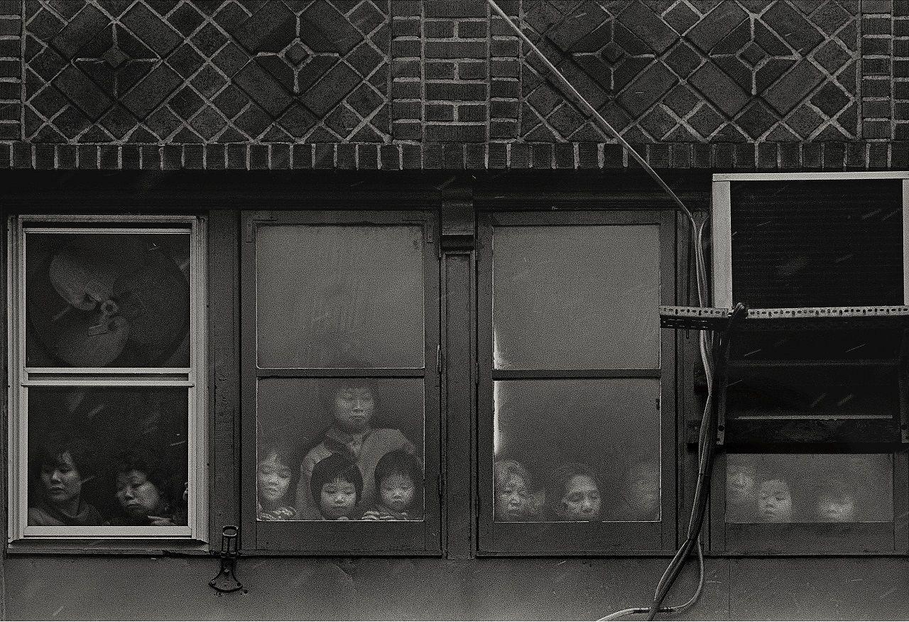 大竹昭子のエッセイ「迷走写真館〜一枚の写真に目を凝らす」第72回コメント
