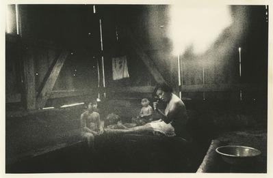 大竹昭子のエッセイ「迷走写真館〜一枚の写真に目を凝らす」第99回