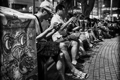 大竹昭子のエッセイ「迷走写真館〜一枚の写真に目を凝らす」第100回