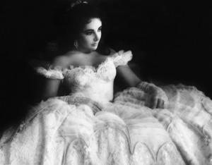 A108-E-Taylor-white-dress