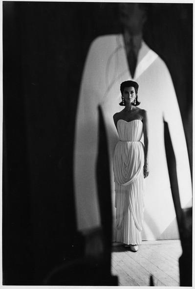 大竹昭子のエッセイ「迷走写真館〜一枚の写真に目を凝らす」第85回