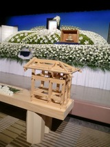 田中文男さんを偲ぶ会祭壇3