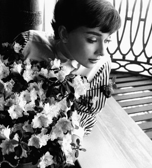 A226-Audrey-at-window-with-flowers