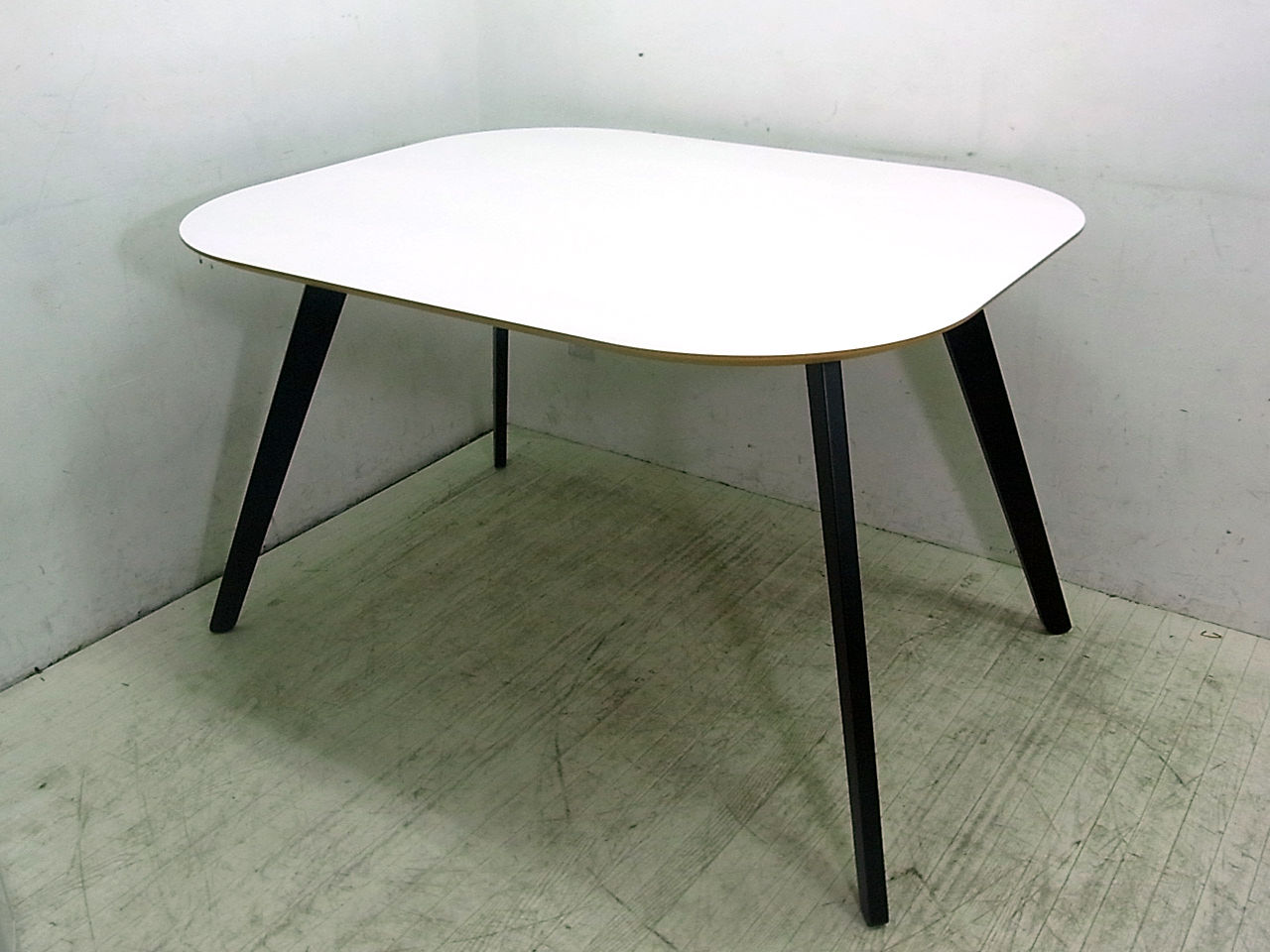 9 6 boconcept wembley for Table bo concept occasion