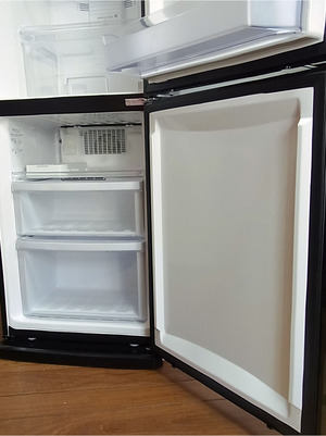 01アマダナ冷蔵庫