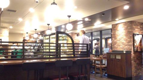 スターバックスコーヒー・八重洲地下街店・カウンター