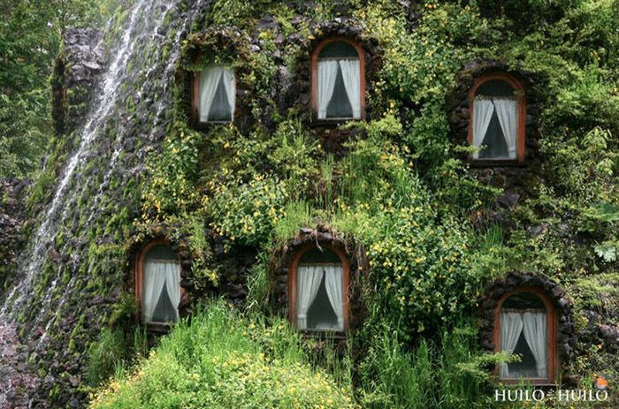 incredible_magic_mountain_like_chilean_hotel_06