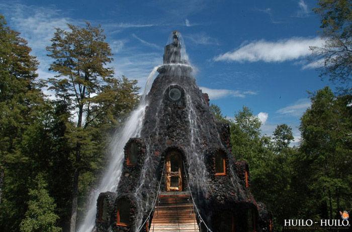 incredible_magic_mountain_like_chilean_hotel_04