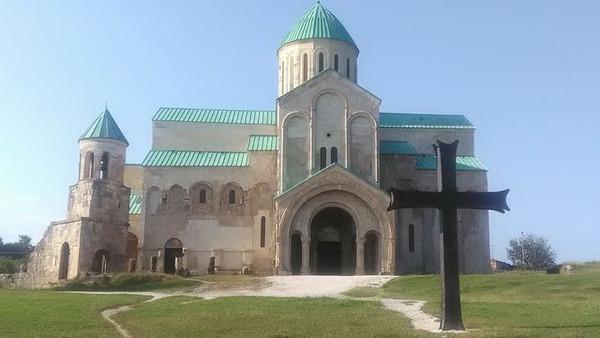写真4_バクラティ大聖堂