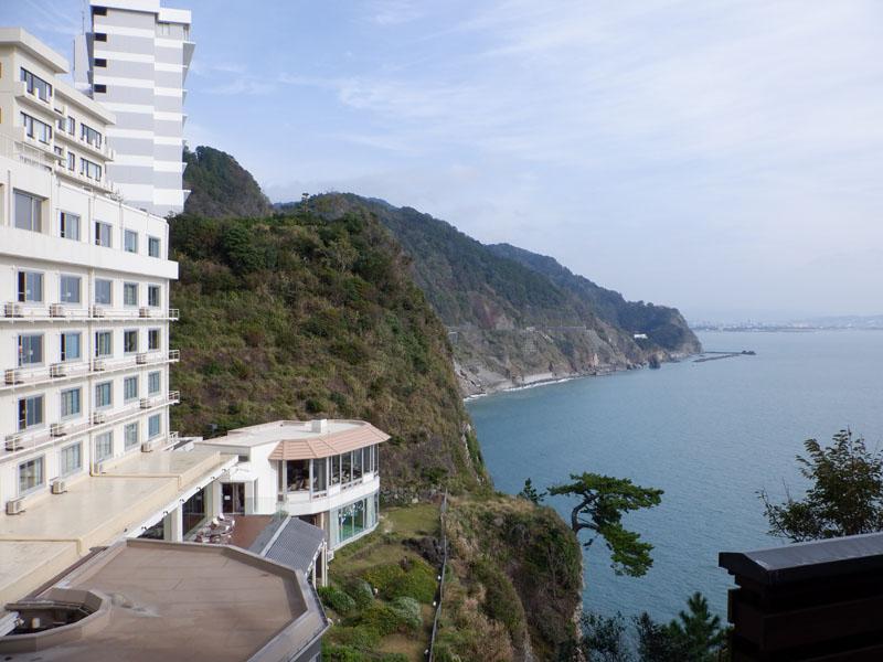 0ホテルと駿河湾800