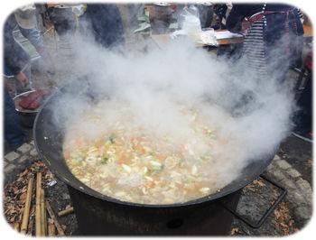 0湯気を揚げる鍋300