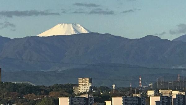 0雪の富士山281112 600