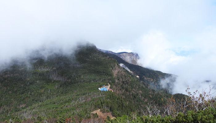 0山びこ山荘と天狗岳700