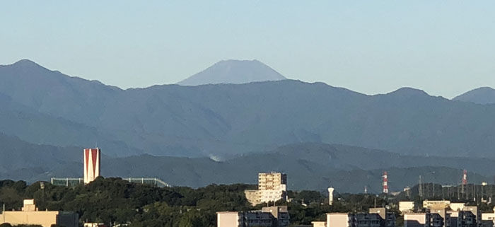 黒い富士山700