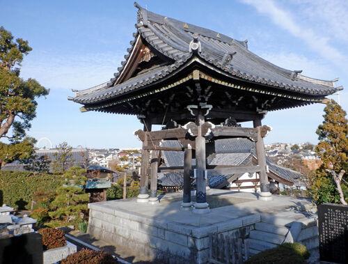 06香林寺の鐘楼500