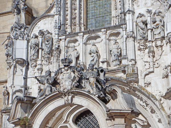 0大聖堂彫刻600