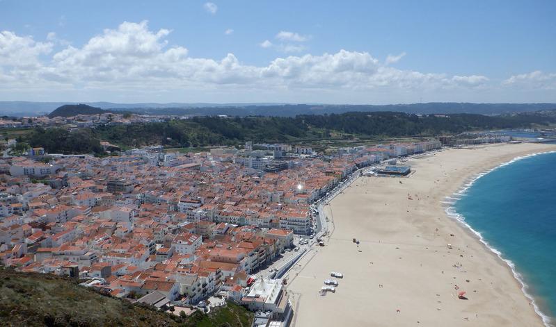 0岸壁から見た大西洋と街並み2500