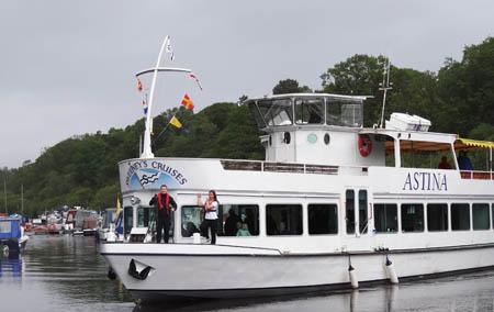 1遊覧船ASTINA号450