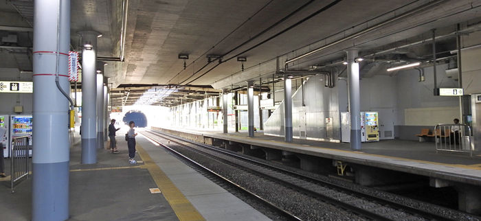 多摩境駅700