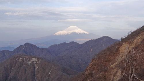0山の彼方に富士山500