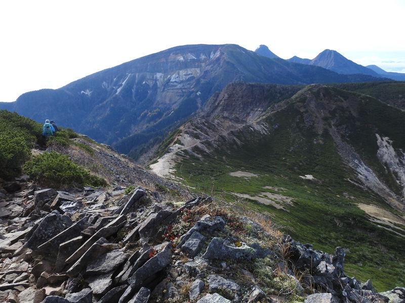 0硫黄岳・横岳・赤岳方面を望む