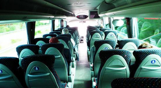 0バス車内550