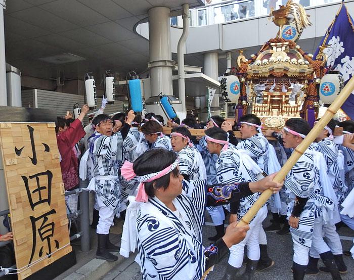 0小田原祭り1駅700