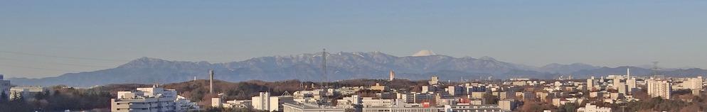 0厳冬期の丹沢山系と富士山