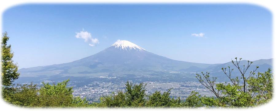 0秀麗な富士山スマホ