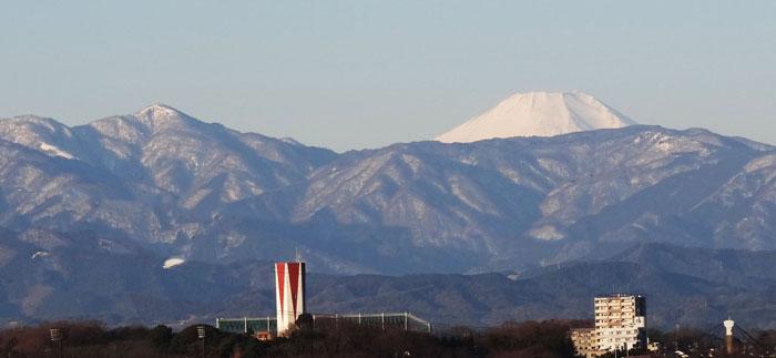 0厳冬期の富士山と蛭が岳 700