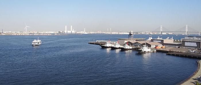 0万葉の湯から見た横浜港700