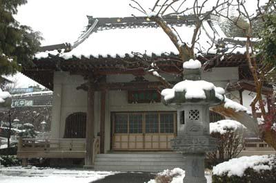 雪の西光寺400