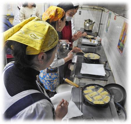 0高野豆腐を揚げる450