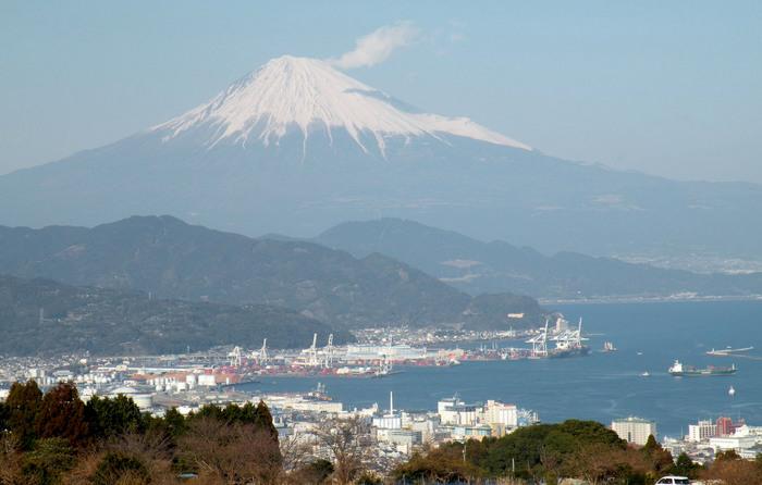 日本平からの富士山と駿河湾210206
