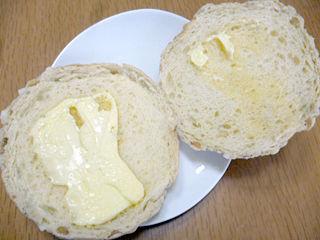 たっぷりくりみのメロンパン