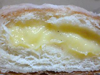 スイートクリームデニッシュドーナツ