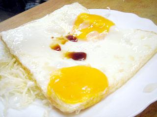 「大盛食堂」目玉焼き